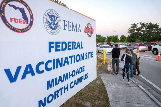 Hay riotercerenses que viajan a Miami para vacunarse; pagan desde  1500 dólares por vuelo y estadía